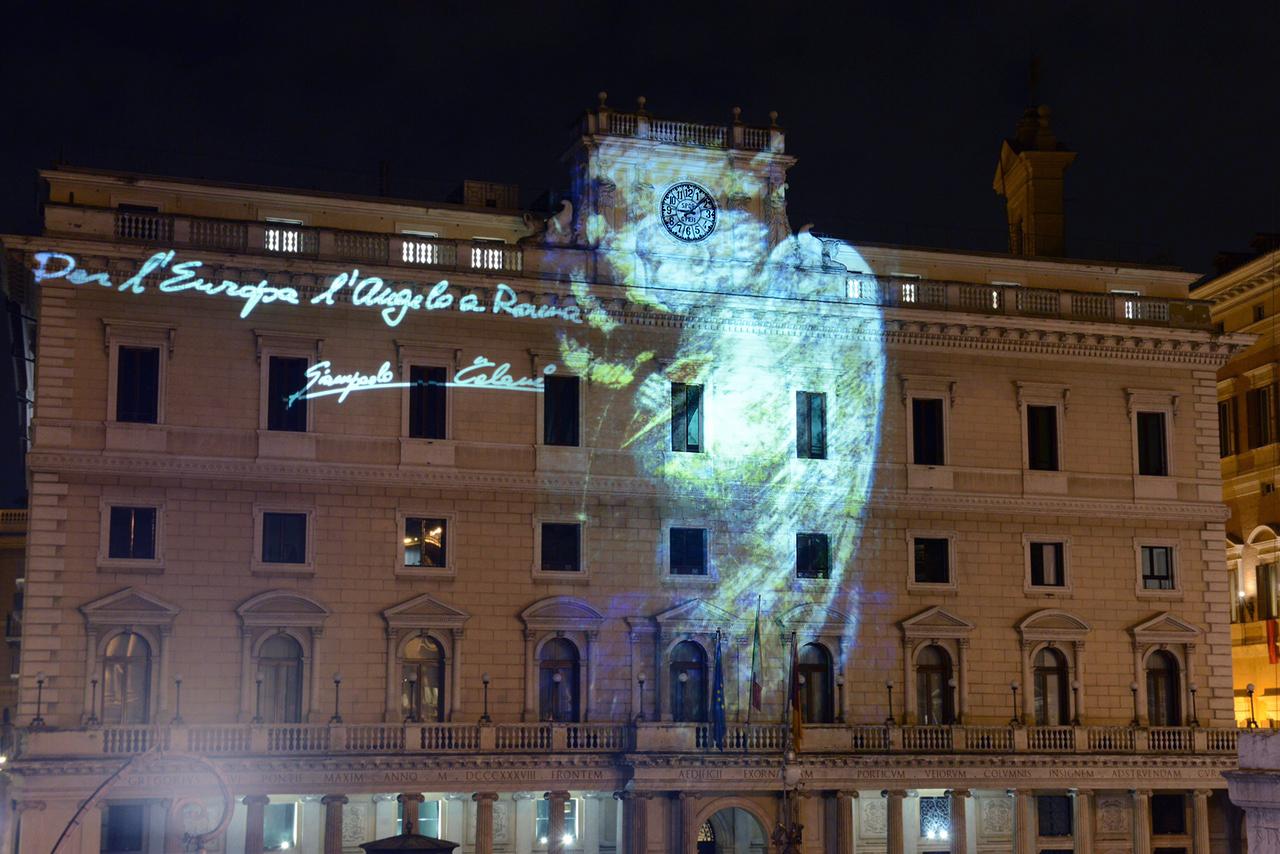 proiezione angelo Roma